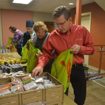 'A great example of community': Group starts weekend food bag program for Thoreau students